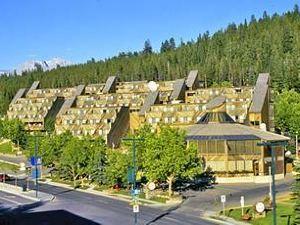 班夫旅館(Inns of Banff)