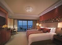 曼谷香格里拉酒店(Shangri-La Hotel Bangkok)香格里拉樓豪華陽台客房