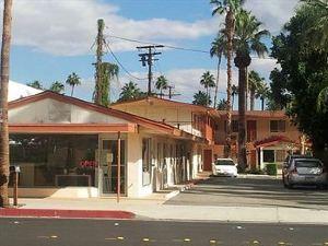 騎士酒店 - 棕櫚泉(Knights Inn - Palm Springs)