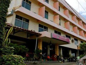 桑普納再也酒店(Hotel Sampurna Jaya)