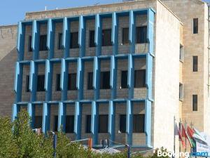 霍瓦利歐陸酒店
