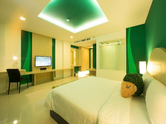 Sleep with me hotel design hotel at patong for Design hotel phuket