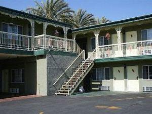 阿納海姆海濱汽車旅館(Riviera Motel Anaheim)