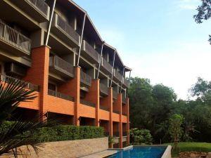 利南空辰酒店(Rimnaam Klangchan Hotel)