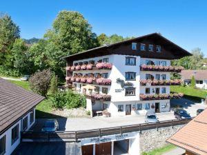 格尼斯戴姆河膳食公寓(Steigmühle Pension Garni)