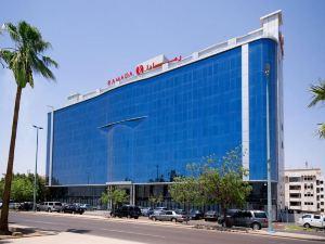 吉達米拉海濱酒店(原華美達濱海路吉達酒店)(Mira Waterfront Hotel Jeddah (Formerly Ramada Corniche Jeddah))