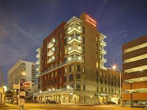 奧斯汀美國國會大廈希爾頓歡朋套房酒店(Hampton Inn & Suites Austin @ The University/Capitol)