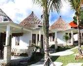 巴厘島丹絨西馬別墅假日公園
