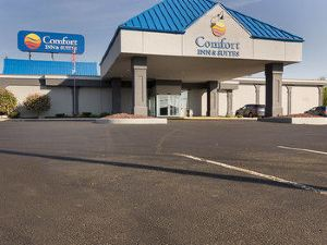 舒適套房機場酒店(Comfort Inn & Suites Airport)