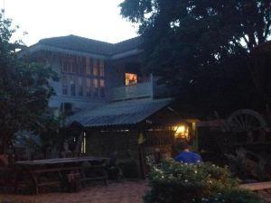 班夏娃賓館(Baan Eve Guesthouse)