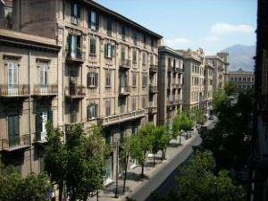 中心旅館(Hotel Del Centro)