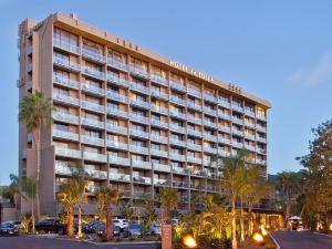 拉喬拉希爾頓古玩精選酒店(Hotel La Jolla, Curio Collection by Hilton)
