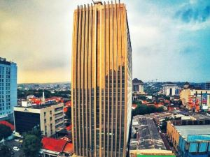 新邦利馬路易斯基恩內酒店(Louis Kienne Hotel Simpang Lima)
