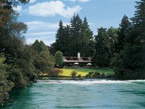 胡卡旅舍(Huka Lodge)