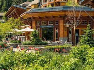 尼塔湖旅舍(Nita Lake Lodge)