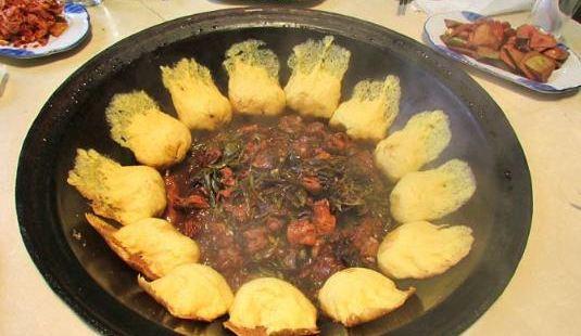 聚鑫鐵鍋魚笨雞排骨鍋