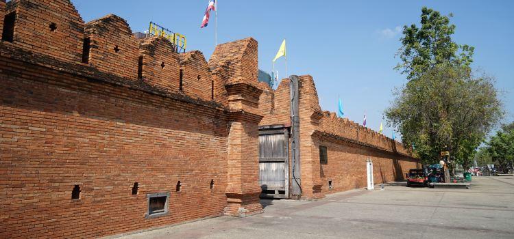 Tha Phae Gate1