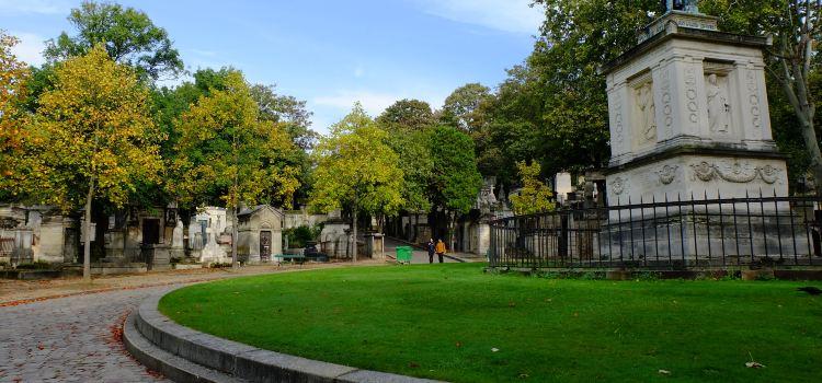 Père-Lachaise Cemetery2