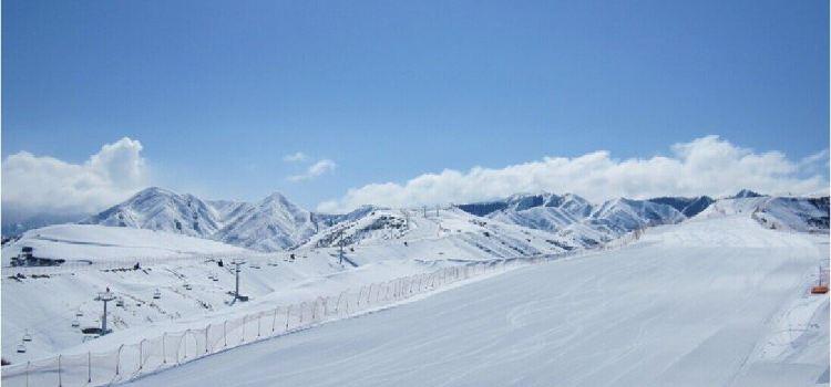 天山天池國際滑雪場