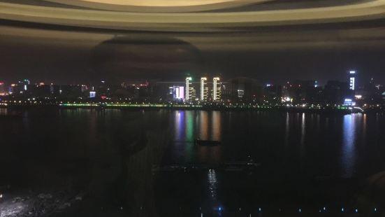 明珠豪生酒店泰國金蘭花旋轉餐廳