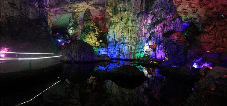 The Shenlong Cave of Huangguoshu3
