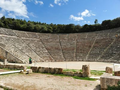 埃匹達魯斯古劇場