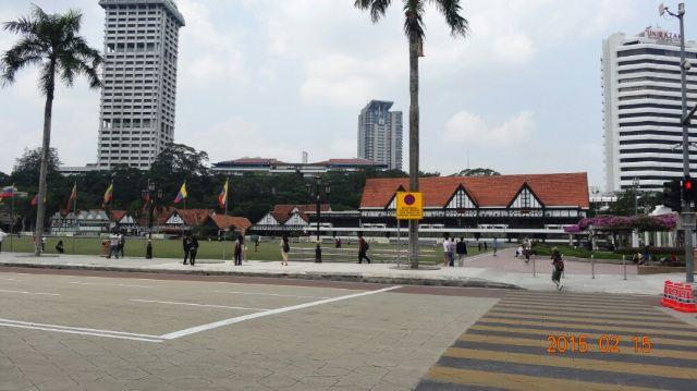 메르데카 광장