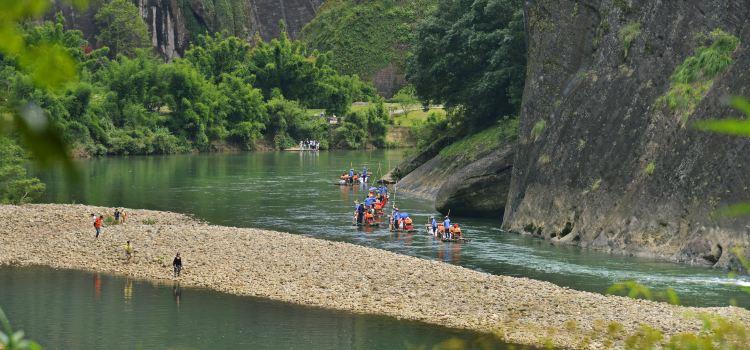 Jiuquxi Bamboo Rafting2