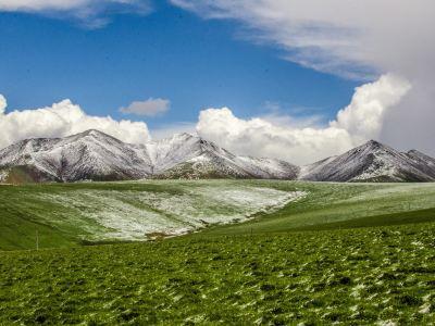 崗卡什雪峰