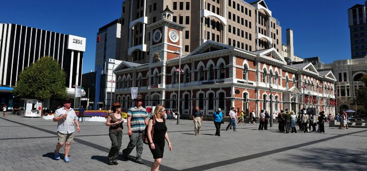 Victoria Square1