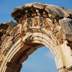 Temple of Hadrian User Photo