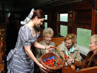 草莓小火車
