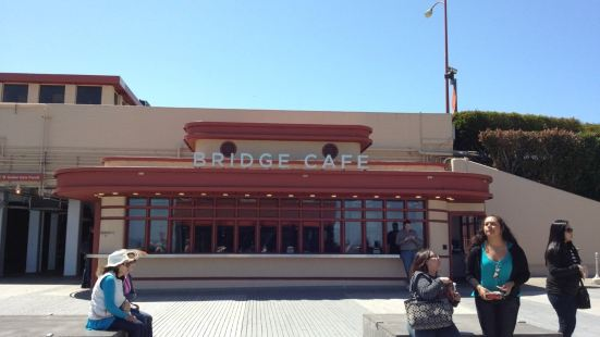 Golden Gate Bridge Cafe