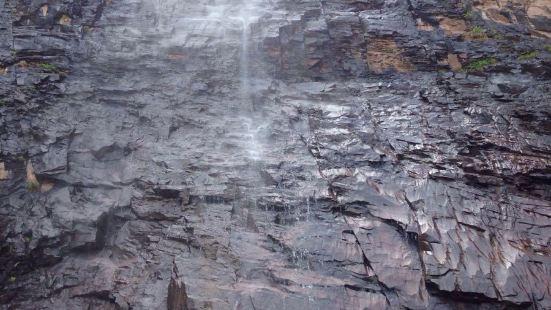 百丈崖瀑布