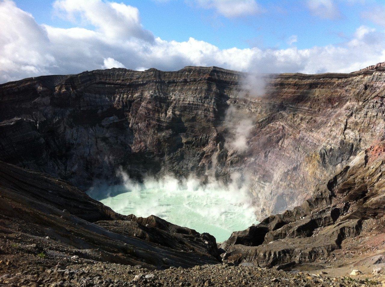 「阿蘇活火山」的圖片搜尋結果