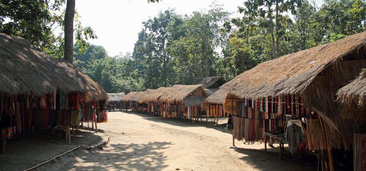 Long Neck Village2