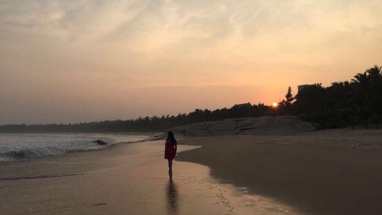 Yunlong Bay