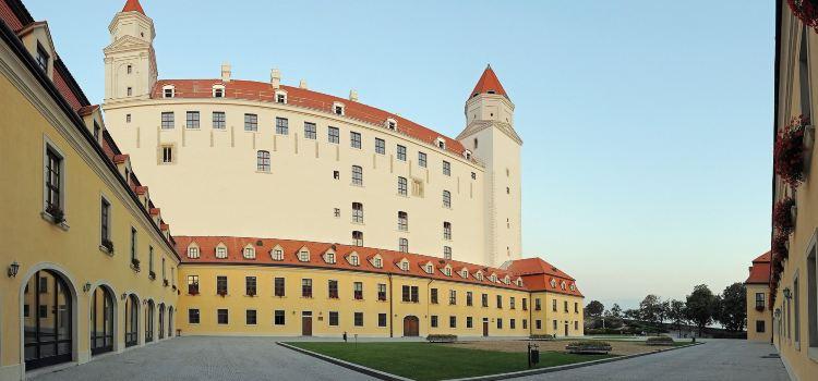 Bratislava Castle2