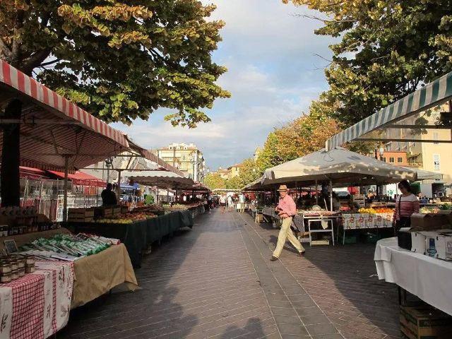 Cours Saleya