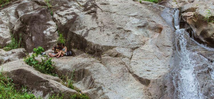 Mor Paeng Waterfall1