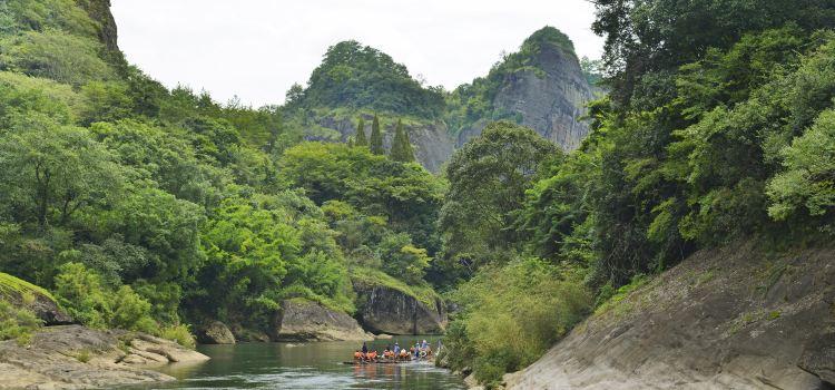 Jiuquxi Bamboo Rafting1