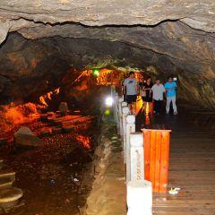 동굴 여행 사진