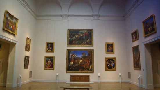 Moonstruck Gallery