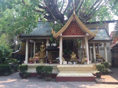 프라깨우 사원(에메랄드 사원)
