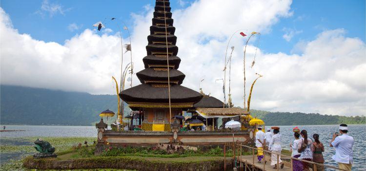 울룬다누 브라딴 사원3