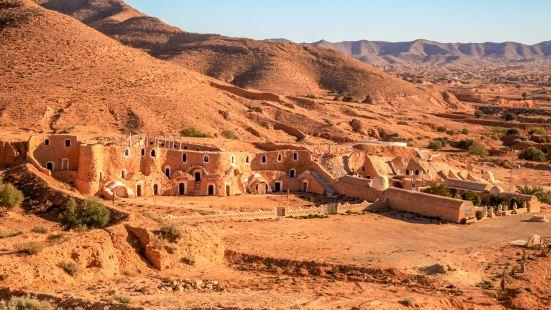 柏柏爾人洞穴民居