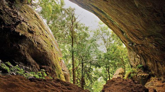拉瓦納埃勒洞窟