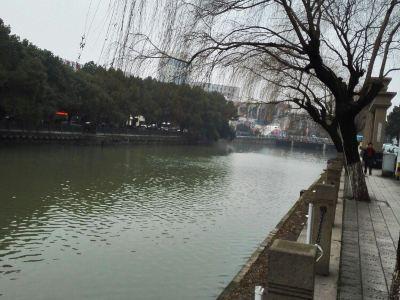 Longshan Park (South Gate)