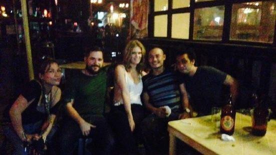 Tonyos Bar & Restaurant