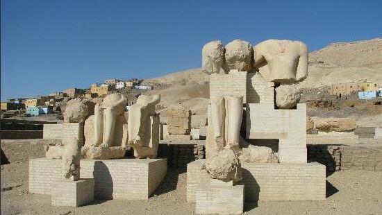 梅內普塔神廟